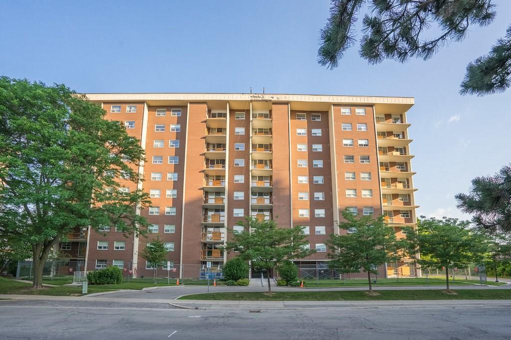 908-1425 GHENT Avenue -