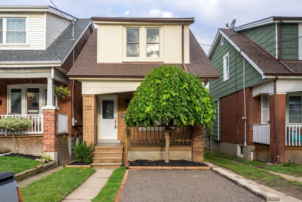 Photo of: MLS# H4037076 86 ROSSLYN Avenue S , Hamilton |ListingID=7640