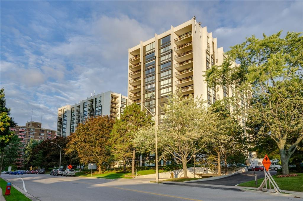 Photo of: MLS# H4037675 1506-1506-2175 MARINE Drive, Oakville |ListingID=7768